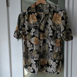 Vintage Liz Wear Hawaiian Floral Print Button Down